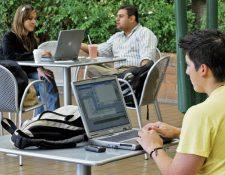 Guatemala ocupa uno de los puestos más bajos en Latinoamérica en conectividad a internet; solo el 27% está conectado.