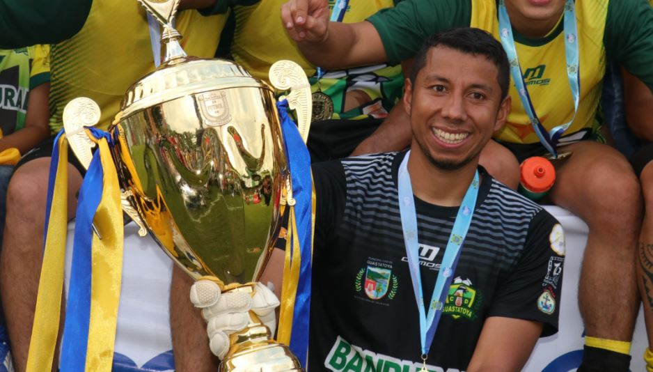 Paredes salió campeón en el reciente Torneo Clausura 2018 con Deportivo Guastatoya. (Foto Prensa Libre: Hemeroteca PL)