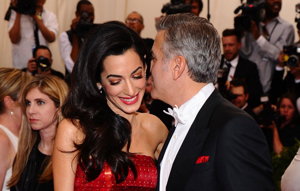 Amal Alamuddin y George Clooney estarían según el libro, aspirando a la Casa Blanca. (Foto Prensa Libre;: AP)