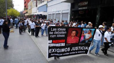 Periodistas protestan contra la violencia
