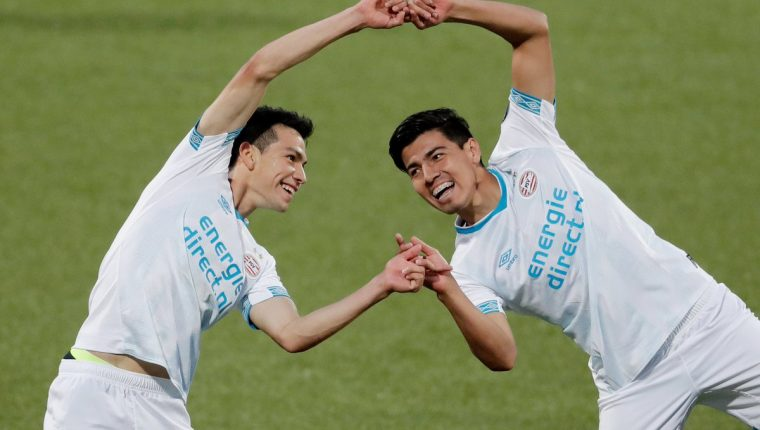 Los mexicanos Hirving Lozano y Érick Gutiérrez brillaron este sábado con el PSV. (Foto Prensa Libre: Twitter @PSV)