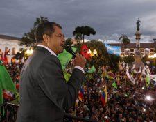 Rafael Correa, presidente de Ecuador, anuncio el uso de autos eléctricos para el Gobierno. (Foto Prensa Libre: EFE)