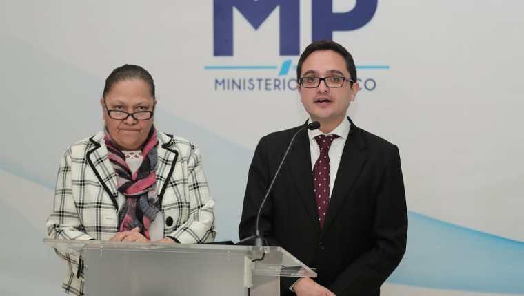 Fiscal general Consuelo Porras y el jefe de la Feci, Juan Francisco Sandoval. (Foto Prensa Libre: Hemeroteca PL)