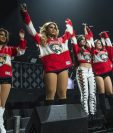 La cantante Camila Cabello (al centro) se separó del grupo Fifth Harmony para lanzarse como solista. (Foto Prensa Libre: AP)
