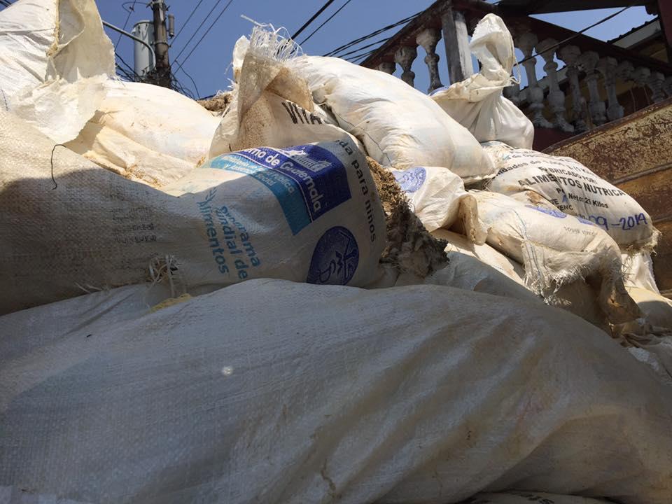 Autoridades desechan 138 mil libras de cereal vencido