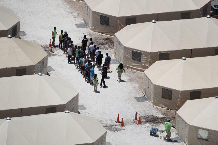 La cancillería guatemalteca da cuenta de más de cien menores migrantes, separados de sus familias, después de ser capturados.
