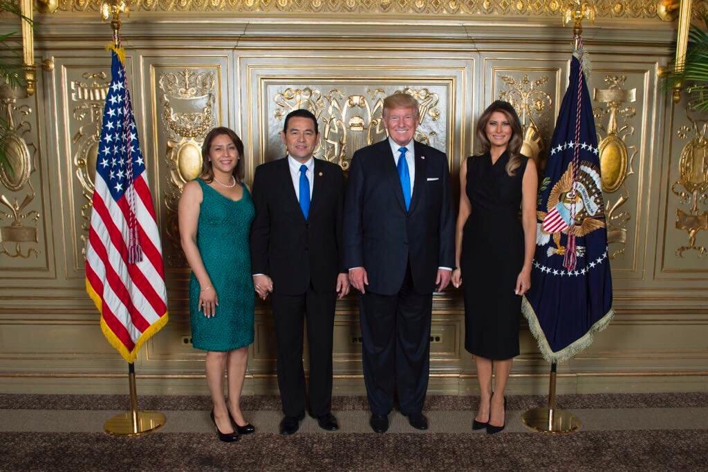 Jimmy Morales no fue el único que se tomó fotos con Trump en el Lotté New York Palace