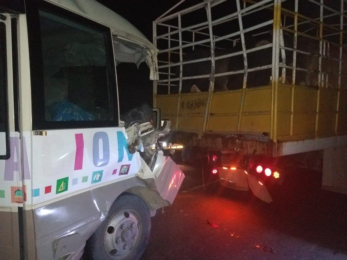 El accidente ocurrió en el kilómetro 140 de la ruta a La Pepesca, Zacapa. (Foto Prensa Libre: Mario Morales)
