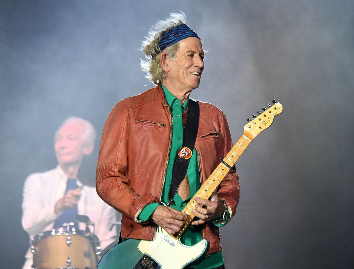 Keith Richards, a quien se le conoce como uno de los músicos más alocados para festejar, ha dicho que dejó el alcohol desde hace cerca de un año. (Foto Prensa Libre: AFP)
