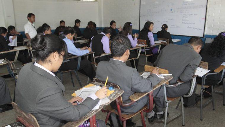 Los alumnos fueron evaluados en matemática y lectura. (Foto Prensa Libre: Hemeroteca PL)