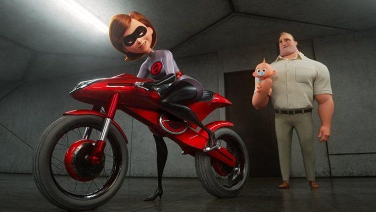 """Más de una década después del estreno de """"Los Increíbles 1"""", la secuela presenta a Mr. Increíble como un padre que se queda en casa cuidando a los niños. (Pixar)."""