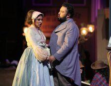 La ópera La Bohème, protagonizada por Mario Chang y María José Morales, se presentará este sábado. (Foto Prensa Libre: Pablo Juárez Andrino)