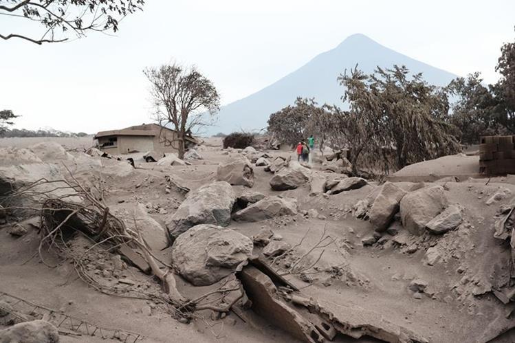 El Inacif espera que expertos de Texas puedan extraer ADN para identificar a víctimas del volcán de Fuego
