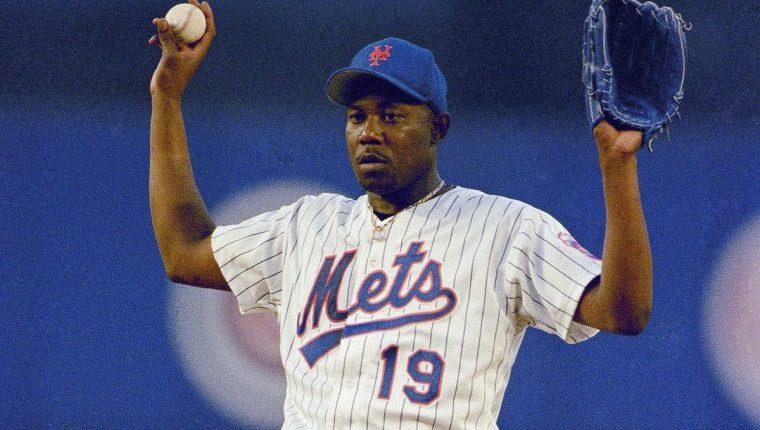 Anthony Young forjó su leyenda en el mundo del beisbol. (Foto Prensa Libre: AP)