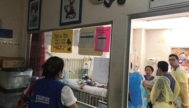 La niña recibió atención en Chiquimula, luego en Cuilapa y finalmente en el Hospital Roosevelt. (Foto Prensa Libre: Hemeroteca PL)