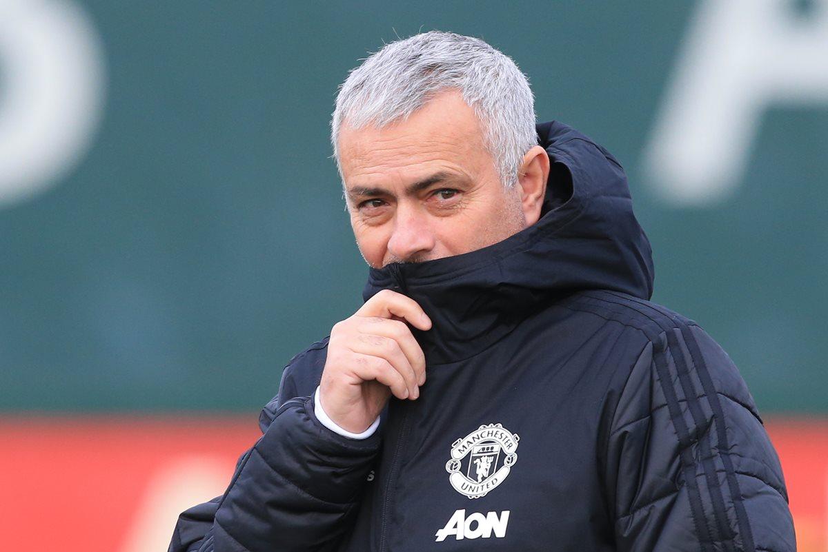 José Mourinho queda fuera del Manchester United sin haber podido ganar la Premier con los Red Devils. (Foto Prensa Libre: AFP)