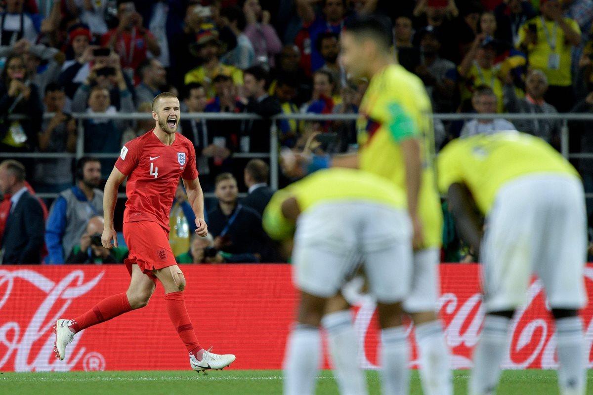 Eric Dier celebra luego de marcar su penalti frente a los colombianos. (Foto Prensa Libre: AFP)