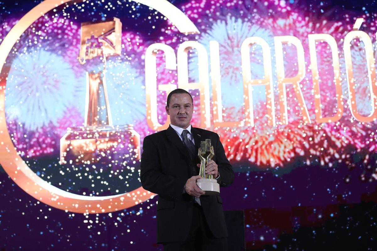 TAG recibe el galardón a la empresa exportadora del año. (Foto Prensa Libre: Esvin García)