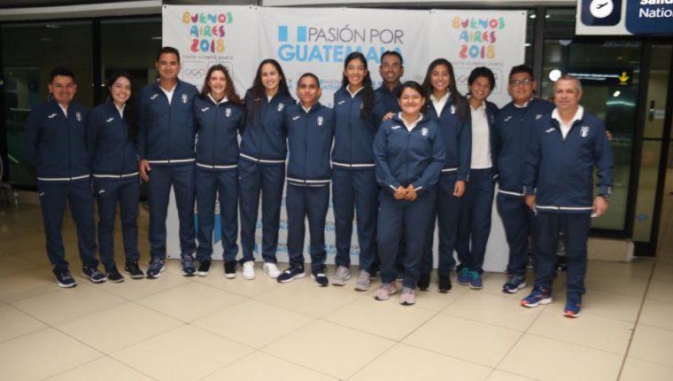 La delegación nacional viajó este martes a Argentina para participar en los Olímpicos de la Juventud. (Foto COG).