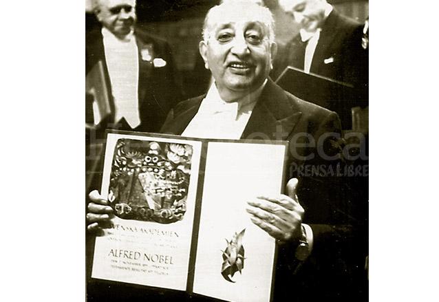 El 10 de diciembre de 1967, Asturias recibió el Premio Nobel de Literatura. (Foto: Hemeroteca PL)