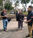 Estudiantes de la Usac fueron los primeros este sábado en salir a manifestar. (Foto: Carlos Hernández)
