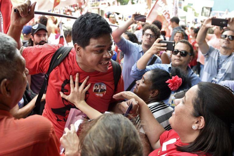 En la campaña de Brasil se han registrado enfrentamientos entre votantes de Bolsonaro y Haddad. AFP