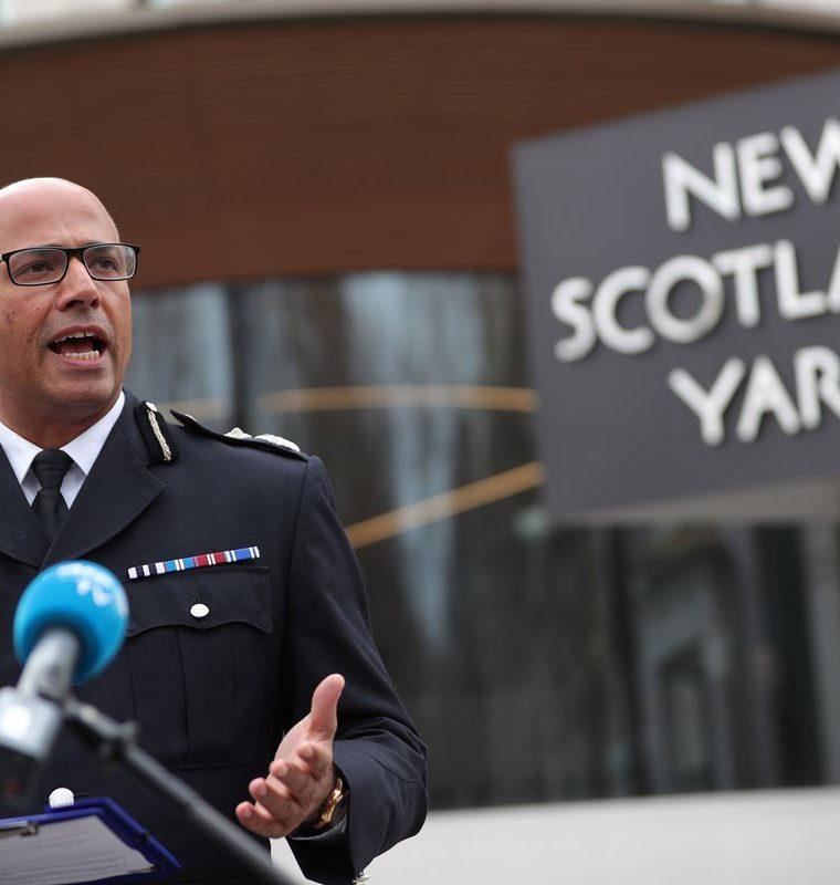 Neil Basu, coordinador nacional superior para la lucha contra el terrorismo habla a la prensa sobre el caso del envenenamiento de un expía ruso, en el centro de Londres.(AFP)