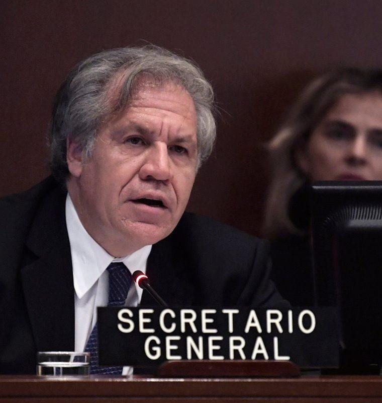 El secretario general de la Organización de Estados Americanos (OEA), Luis Almagro, habla durante la primera sesión del Consejo Permanente de la OEA. (EFE).
