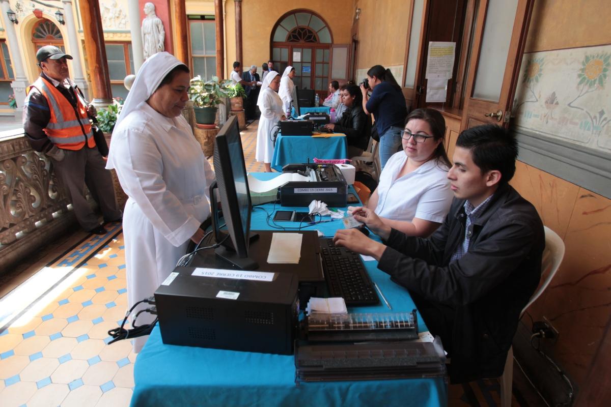 En la Ley Electoral se establecen dos fechas para el cierre del padrón electoral, por lo que los guatemaltecos tendrían menos tiempo para registrarse. (Foto Prensa Libre: Hemeroteca PL)