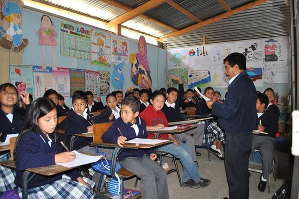 Mineduc dice que quiere optimizar el tiempo dedicado a la enseñanza. (Foto: Hemeroteca PL)