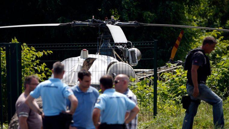 El peligroso reo Redoine Faïd escapó en helicóptero de una cárcel en Francia. La nave fue encontrada quemada. (Foto Prensa Libre: AFP)