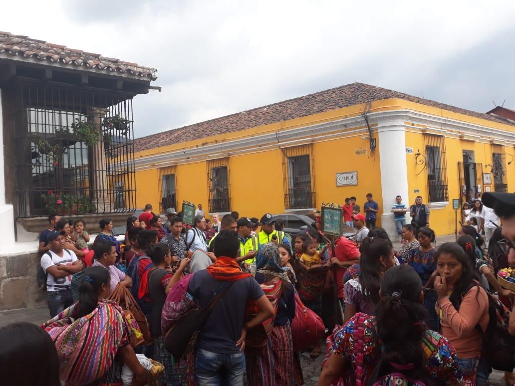 Vendedores ambulantes no abandonarán las calles de Antigua Guatemala