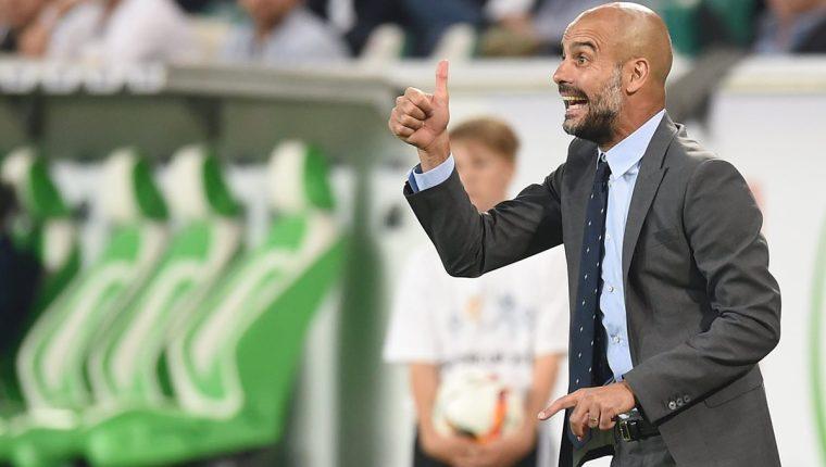 El técnico español Pep Guardiola está cerca de guiar al Mánchester City al título de la Liga Premier. (Foto Prensa Libre: Hemeroteca PL)