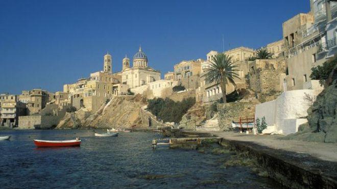 Una artista en la isla griega de Siros está ofreciendo un empleo soñado para muchos. (GETTY IMAGES)
