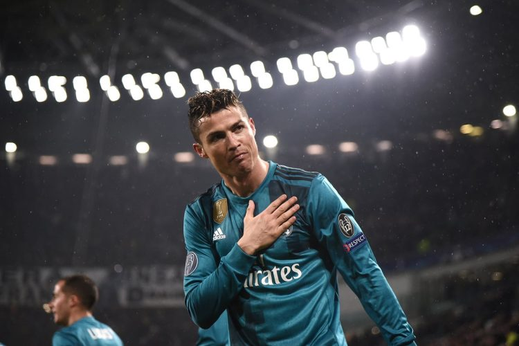 Así celebró Cristiano Ronaldo su segundo gol de la noche. (Foto Prensa Libre: AFP)
