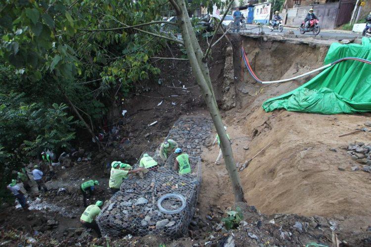 Otro socavamiento afecta ruta a San Pedro Ayampuc.