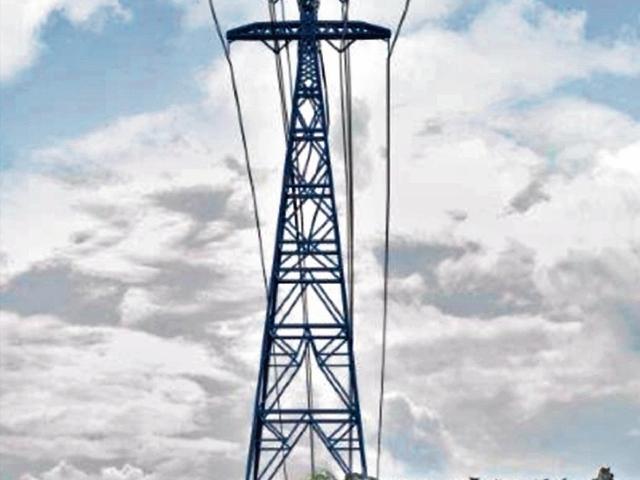 Torres de energía que atravesarán Río Dulce tendrán El Quetzal en la cima