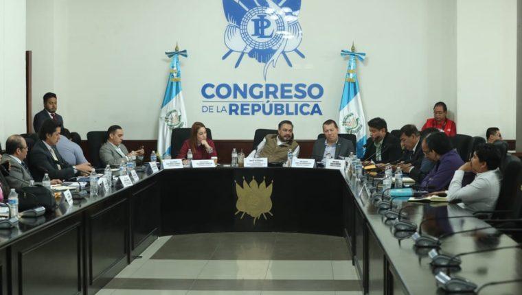 La mesa técnica del presupuesto busca la forma de mediar entre la Usac y el Ejecutivo para conseguir recursos para funcionamiento de este año. (Foto Prensa Libre: Esbín García)