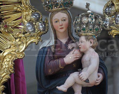 Detalle de la Virgen del Socorro en su procesión de mayo. (Foto: Néstor Galicia)