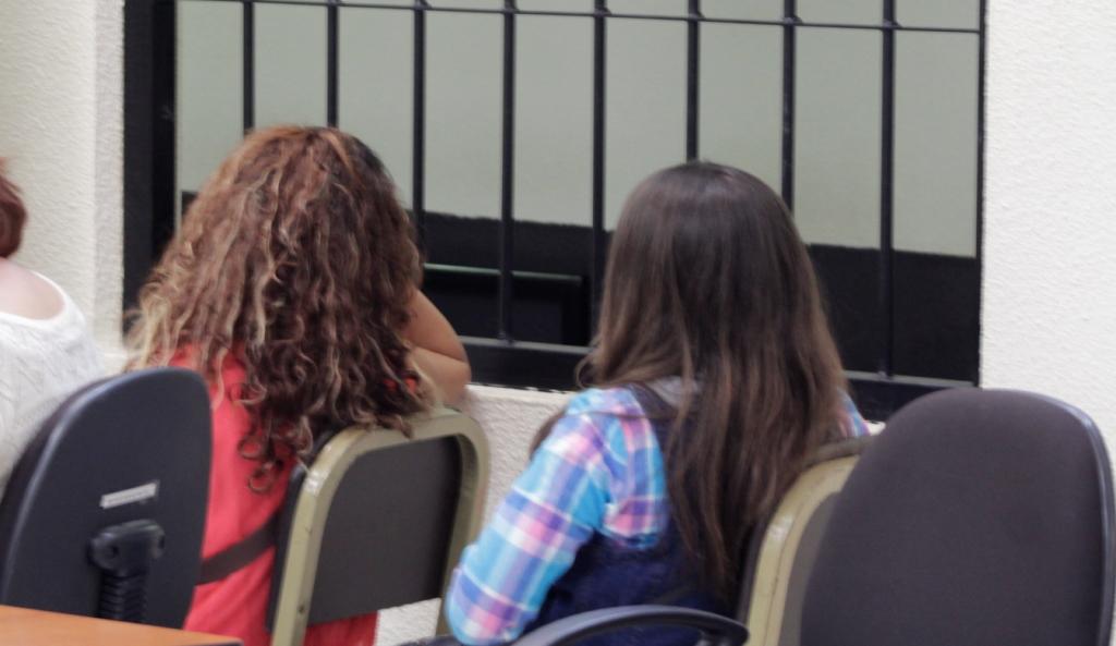 Tribunal condena a seis años de prisión a dos mujeres culpables de extorsión