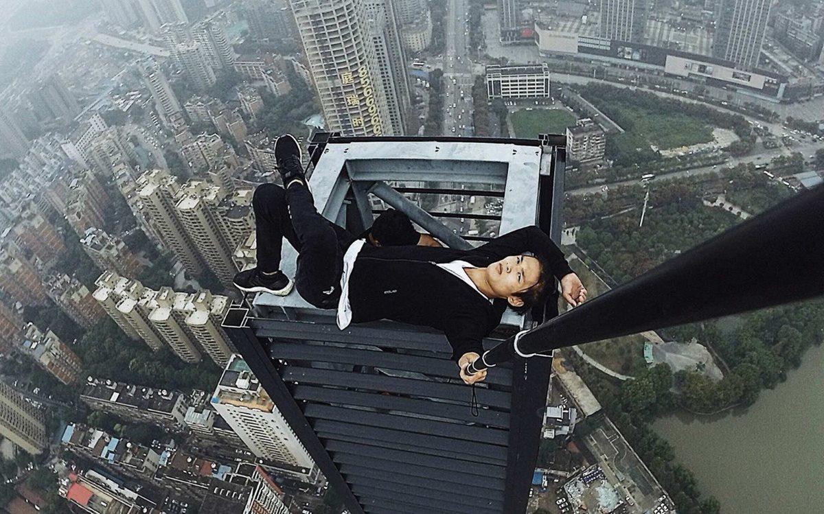 Wu Yongning durante uno de sus retos. (Foto Prensa Libre: Asia Wire).