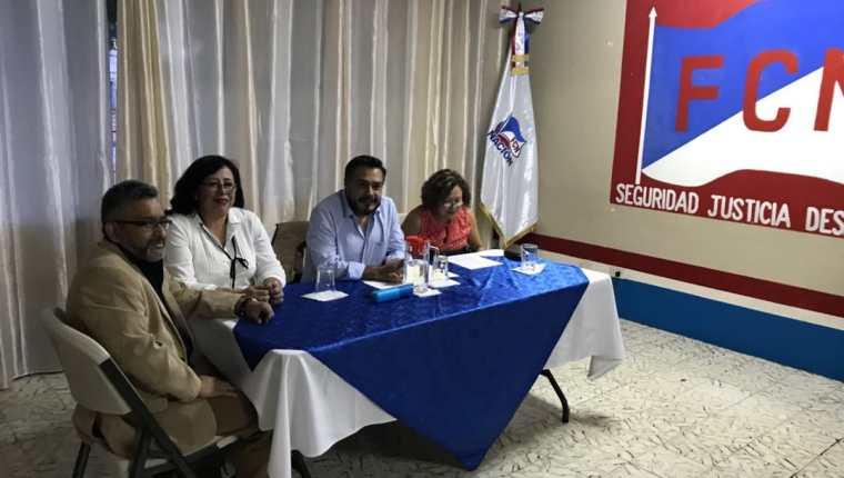Miembros del comité ejecutivo de FCN-Nación durante la conferencia de prensa. (Foto Prensa Libre: Cortesía José Castro).