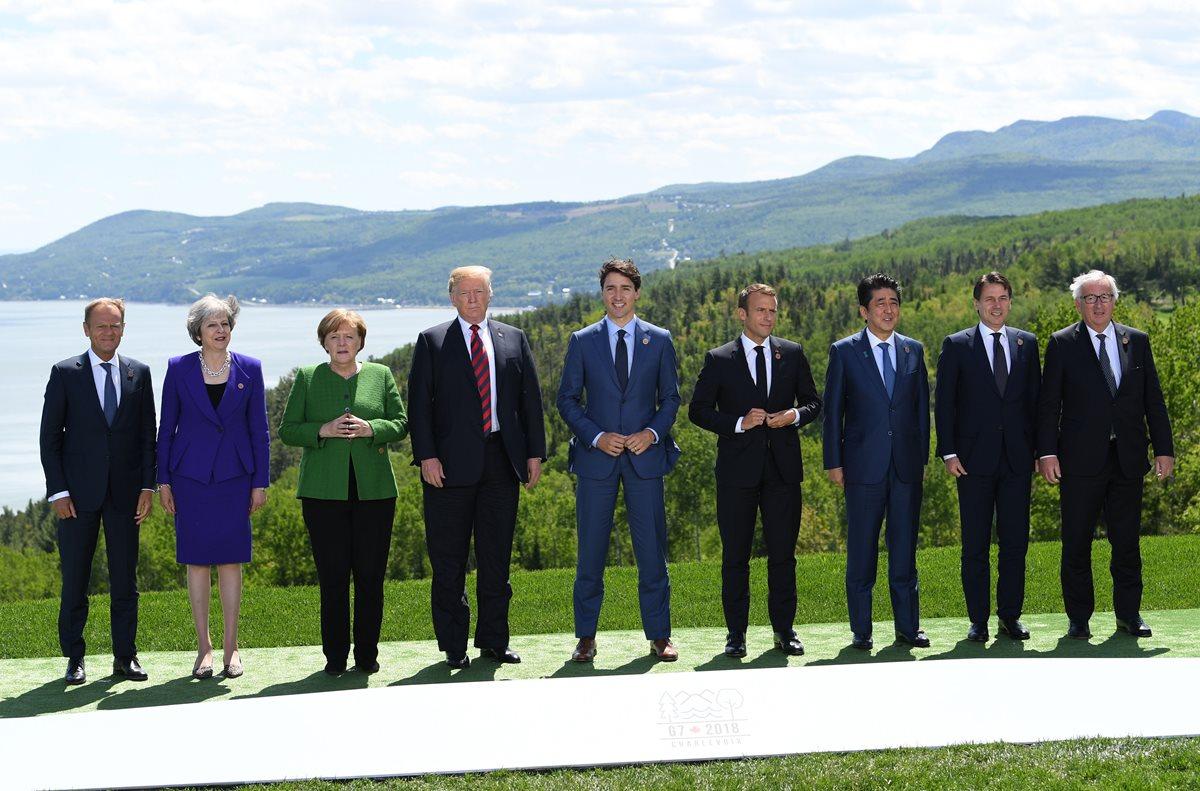 Jefes de Estado posan para una foto de familia durante la Cumbre del G7 en La Malbaie, Quebec, Canadá.(Foto Prensa Libre:AFP).