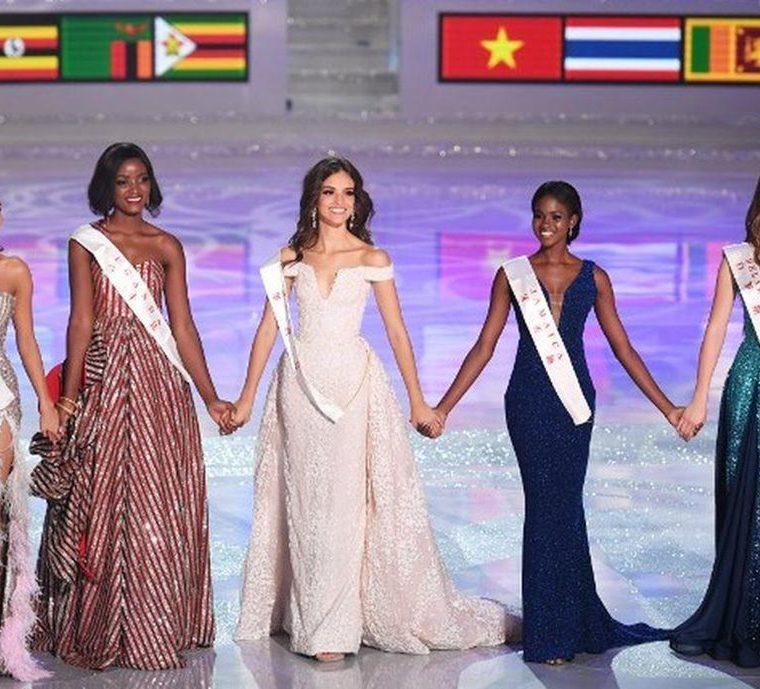 Las representantes de Bielorrusia, Jamaica, México, Tailandia y Uganda fueron las cinco finalistas de la noche. (Foto Prensa Libre: AFP)