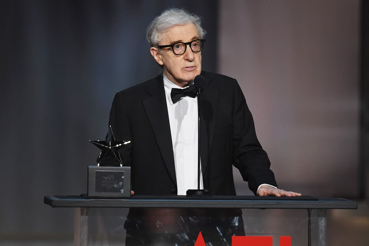 Woody Allen se queda solo en Hollywood
