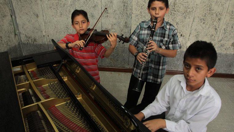 De Izquierda a derecha Antoni Girón, José Franco y Elí Rienda. (Foto Prensa Libre: Álvaro Interiano)