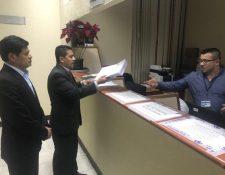 Candidatos que fueron rechazados por el Directorio de la SAT para participar en la elección del nuevo superintendente, presentaron tres acciones de amparo. (Foto Prensa Libre: Cortesía)