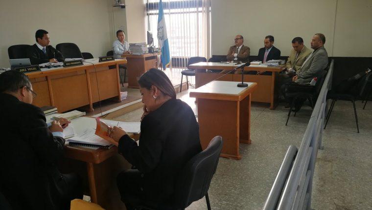 La audiencia de reparación digna se realizó en el Tribunal Noveno Unipersonal Penal. (Foto Prensa Libre: Kenneth Monzón)