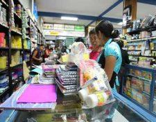 Las ventas de útiles escolares incrementaron en los últimos días. (Foto Prensa Libre: Archivo)