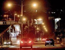 Cada municipalidad cobra de forma diferente el servicio de alumbrado público. (Foto, Prensa Libre: Hemerotea PL)